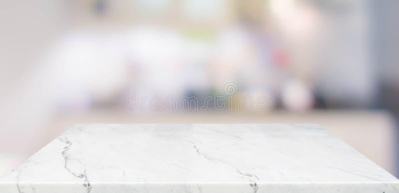 空的透视大理石台式有被弄脏的家庭厨房背景 您的设计显示或蒙太奇的假装模板, 免版税库存图片