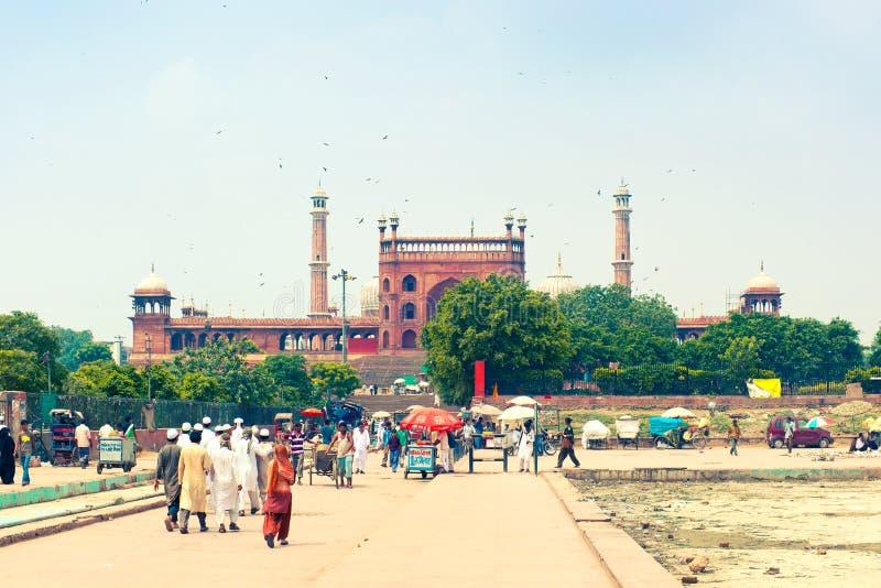 穆斯林去贾玛清真寺-主要德里清真寺 免版税图库摄影