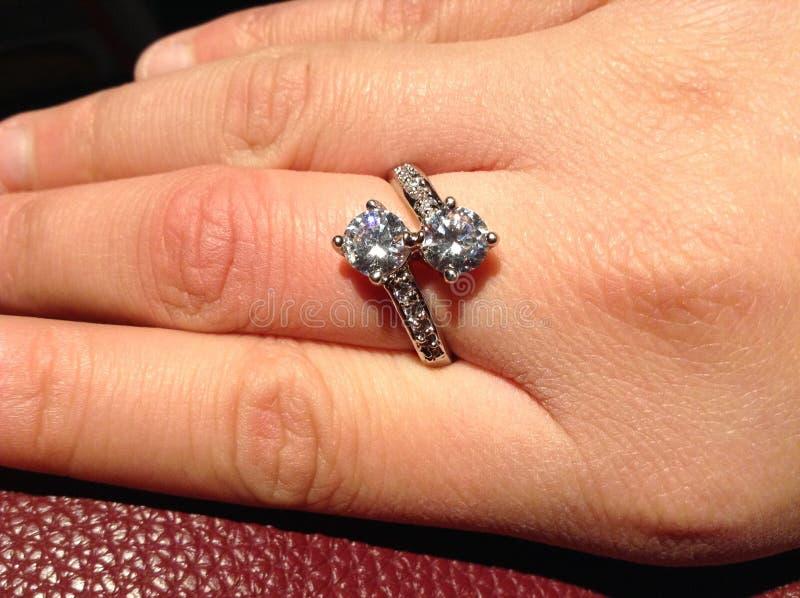 立方体Ziconium金刚石定婚戒指 库存照片