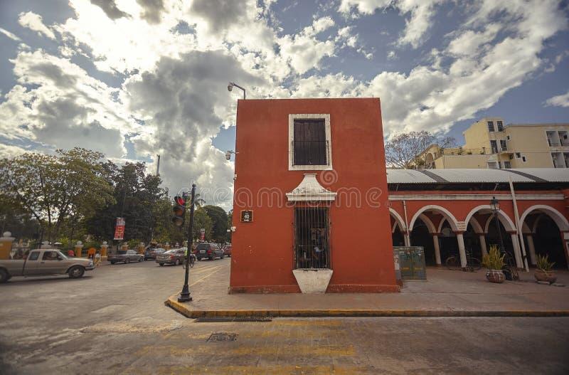 红色议院在巴里阿多里德 免版税库存图片