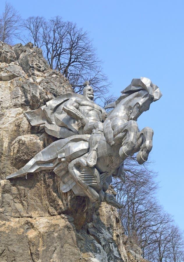 纪念碑向圣乔治战胜在北奥塞梯共和国,阿兰王国 免版税图库摄影