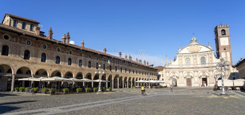 维杰瓦诺,意大利:历史的广场Ducale 图库摄影