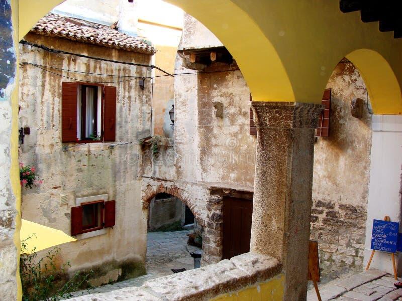罗维尼的拱廊 库存图片