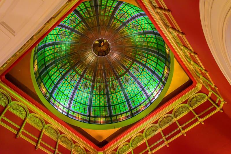 美好的圆顶和天花板在女王维多利亚购物中心,悉尼 免版税图库摄影