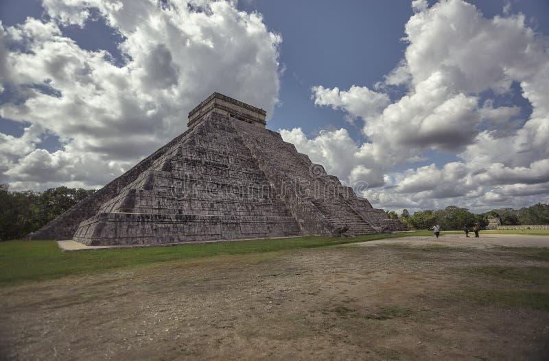 看法金字塔的四分之三奇琴伊察7 图库摄影