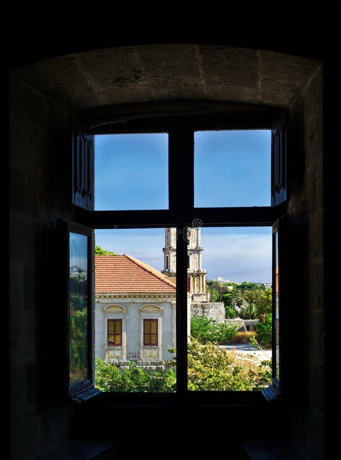 看法通过窗口,罗得岛海岛 库存图片