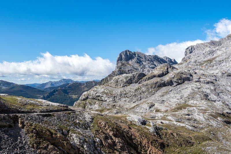 的福恩特De在欧罗巴山,坎塔布里亚,西班牙山  图库摄影