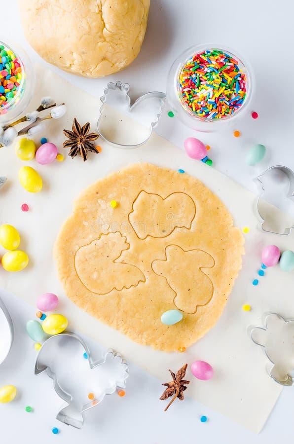 烘烤的复活节曲奇饼,烹调背景的假日 库存照片