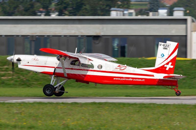 瑞士空军队Pilatus PC-6搬运工飞机V-622 库存照片