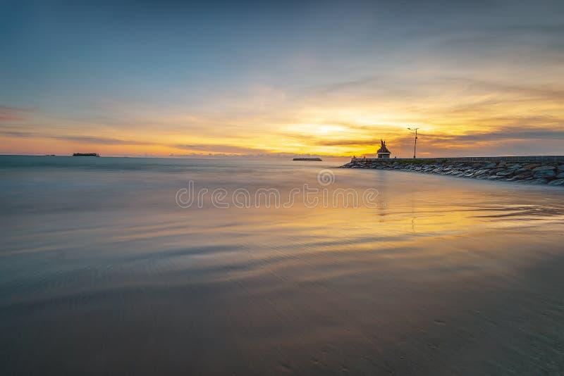 照片美妙的padang印度尼西亚全景日落  免版税图库摄影