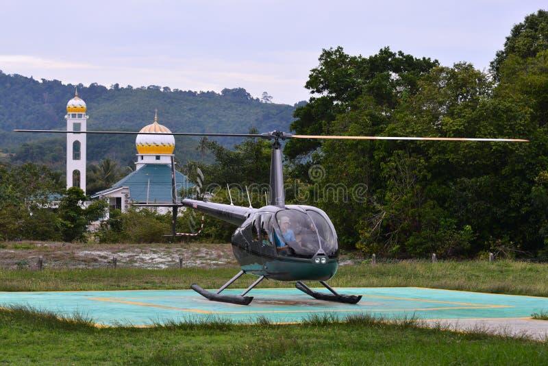 直升机准备离开 免版税库存照片