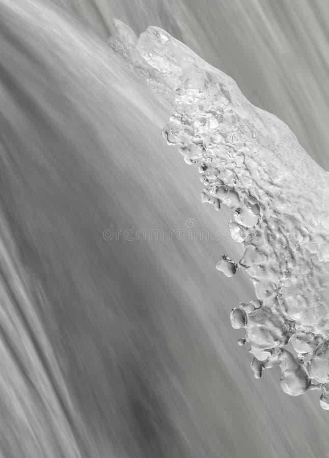 瀑布的片段在冬天 图库摄影
