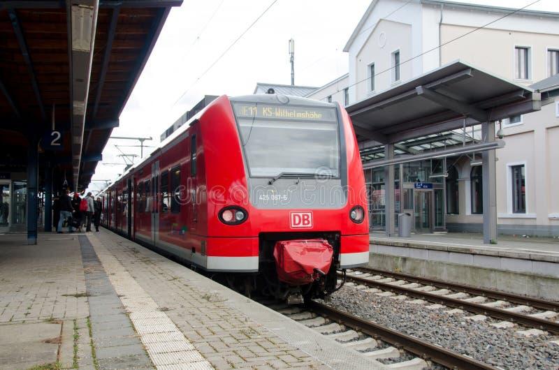 索斯特,德国- 2017年12月26日:在火车站的DBAG类425火车德国铁路地方火车 免版税库存图片