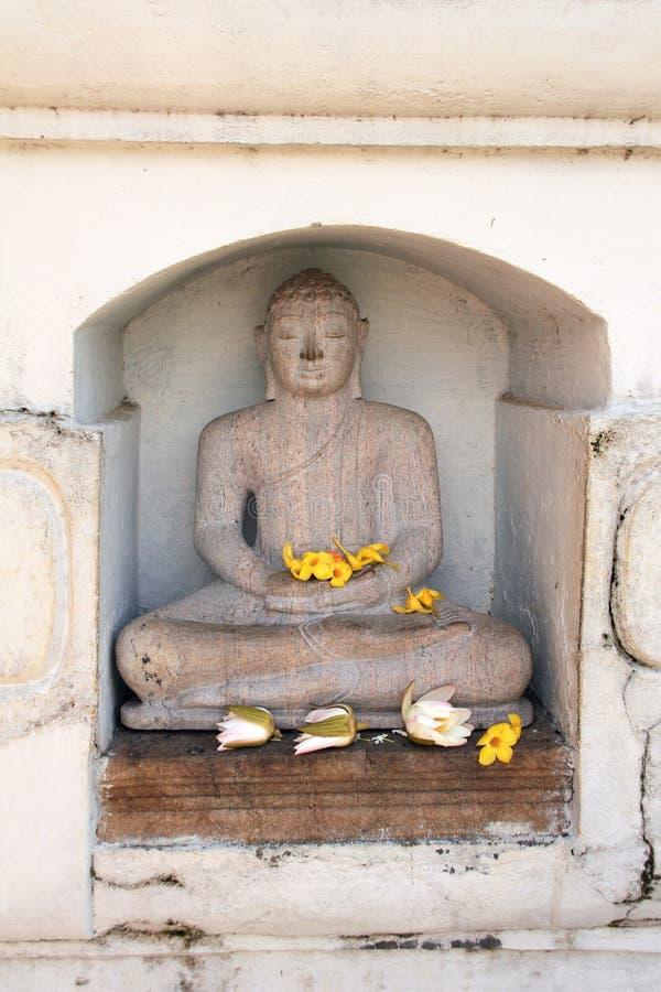 菩萨,Isurumuniya Vihara,阿努拉德普勒王国,斯里兰卡雕象  免版税图库摄影