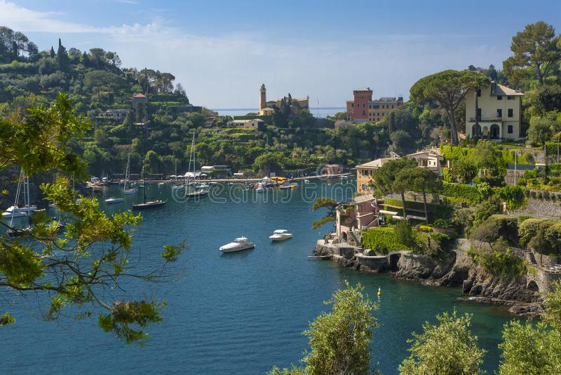 菲诺港海湾的看法在意大利 库存图片