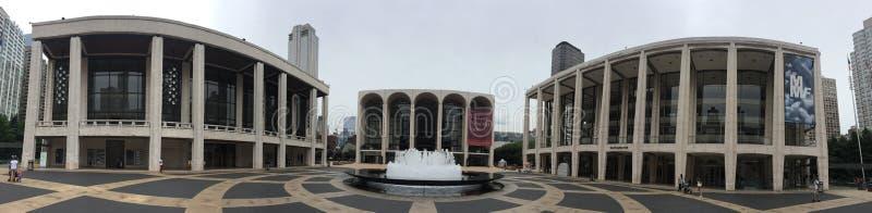 表演艺术NYC全景外部林肯中心 免版税库存图片