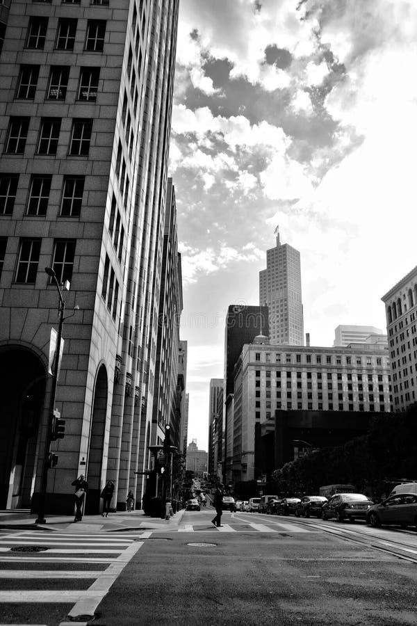 街道十字架,街市旧金山经营 库存图片