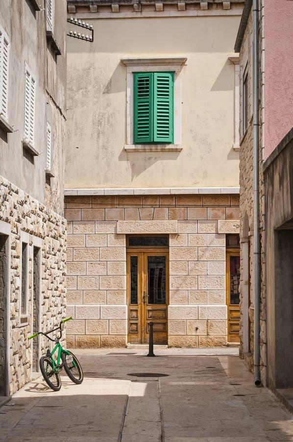 街道,缘膜卢卡,科尔丘拉,克罗地亚海岛  免版税库存图片