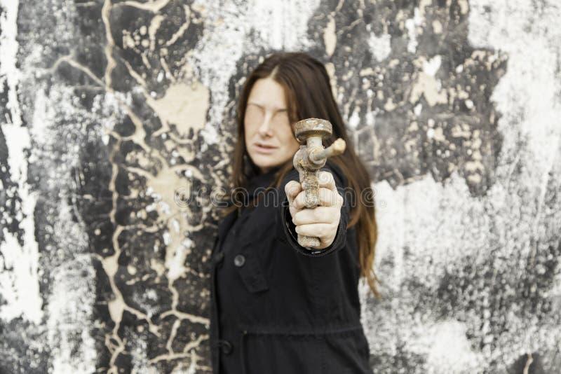 被虐待的妇女保卫 图库摄影
