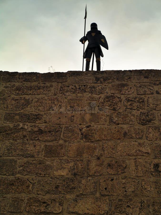 装甲骑士在罗得岛,希腊老镇  库存照片