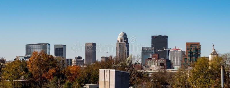 路易斯维尔市地平线 图库摄影