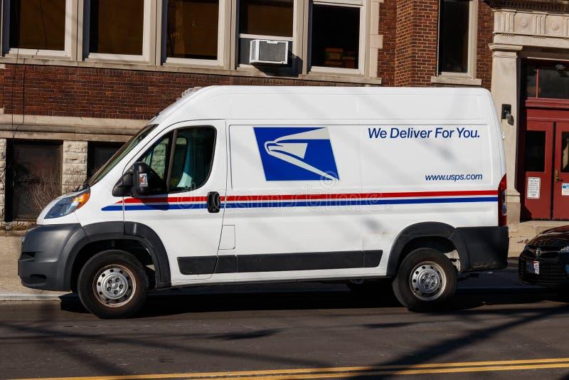 辛辛那提-大约2019年2月:USPS邮局邮车 USPS对提供邮件交付负责我 免版税图库摄影