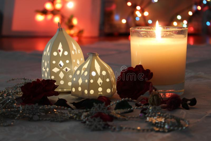 蜡烛和光浪漫概念的 免版税库存图片