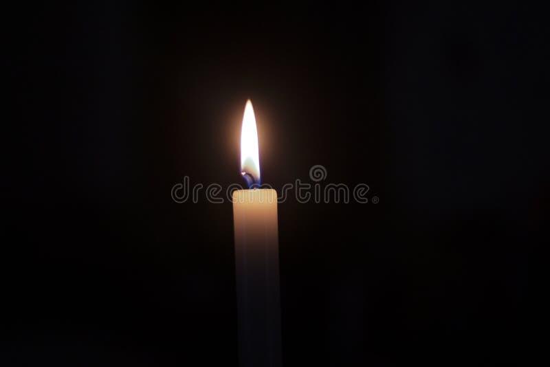 蜡烛的秀丽在背景中 免版税库存图片