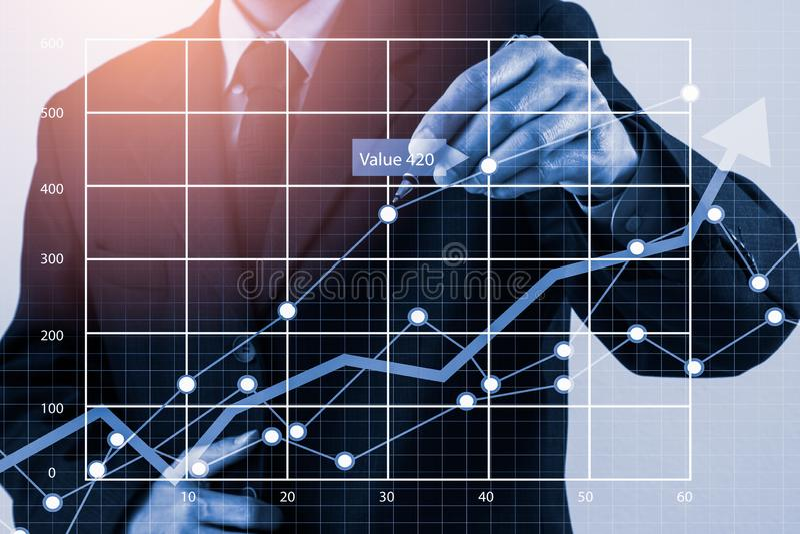 股市或外汇贸易的图表和烛台绘制适用于图表金融投资概念 经济趋向背景为 皇族释放例证