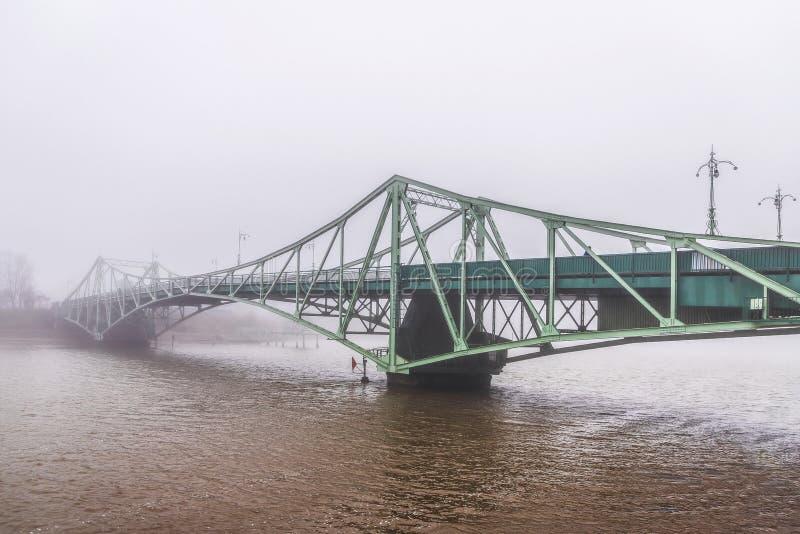 薄雾桥梁 免版税库存照片