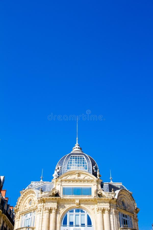 蒙彼利埃,法国 历史大厦到位de la Comedie在一好日子 图库摄影