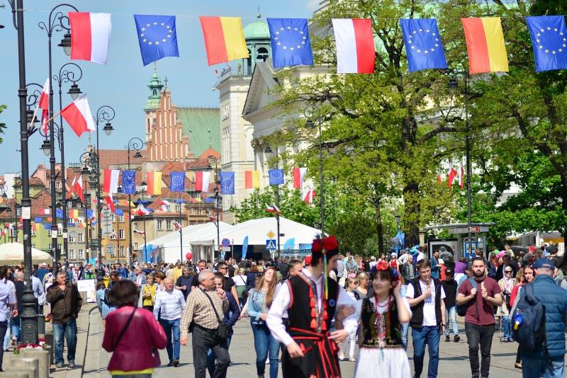 15ème anniversaire d'adhésion de Poland's à l'Union européenne Un festival sur la rue de Krakowskie Przedmiescie photo stock
