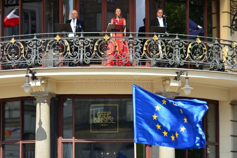 15ème anniversaire d'adhésion de Poland's à l'Union européenne Un festival sur la rue de Krakowskie Przedmiescie photos libres de droits