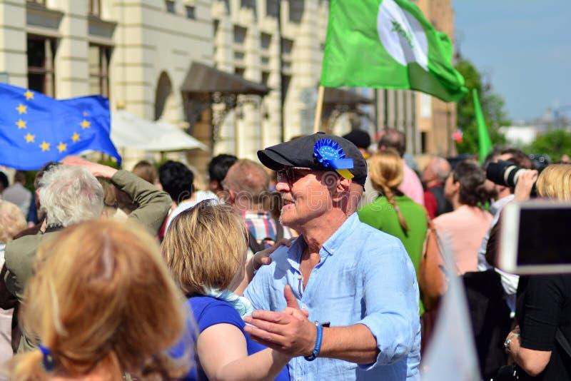 15ème anniversaire d'adhésion de Poland's à l'Union européenne Un festival sur la rue de Krakowskie Przedmiescie image libre de droits