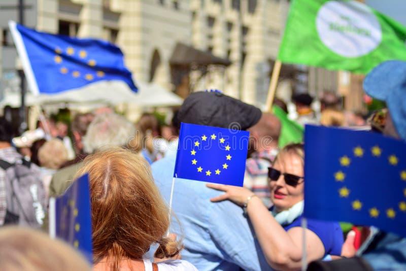 15ème anniversaire d'adhésion de Poland's à l'Union européenne Un festival sur la rue de Krakowskie Przedmiescie images stock