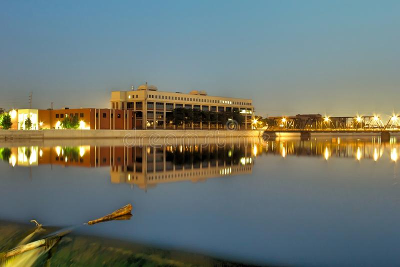 6èmes barrage et pont de rue à Grand Rapids photos libres de droits