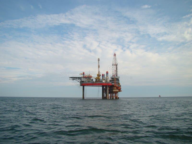 顶起的钻井平台在渤海 库存图片
