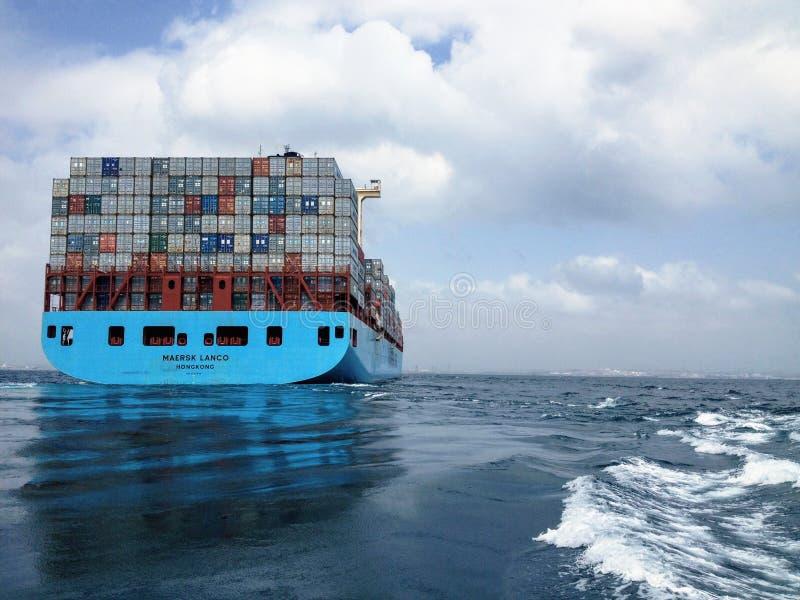 马士基集装箱船在海的 免版税图库摄影