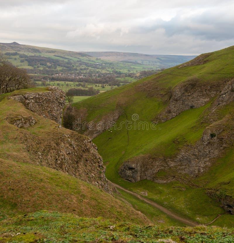 高峰区国立公园Castleton的看法在德贝郡,英国 库存图片
