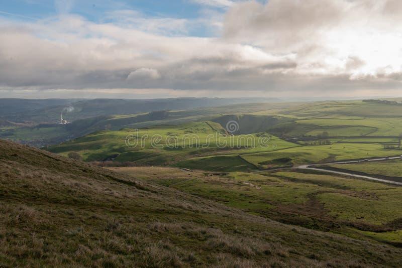 高峰区的看法从Mam突岩的在英国 免版税库存照片