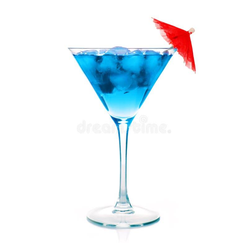 Één blauwe cocktail martini stock fotografie