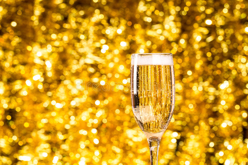 Één champagneglas royalty-vrije stock afbeeldingen