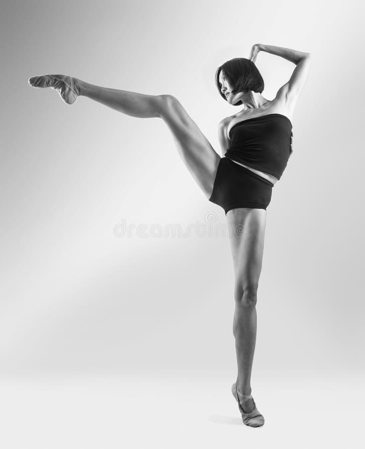 Één de balletdanser van de vrouwenballerina het dansen royalty-vrije stock foto