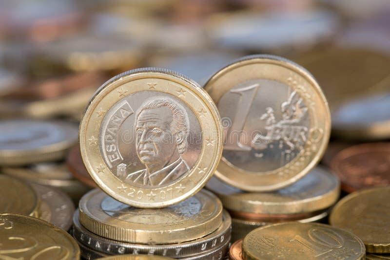 Één Euro muntstuk van de Koning Juan Carlos van Spanje royalty-vrije stock foto's