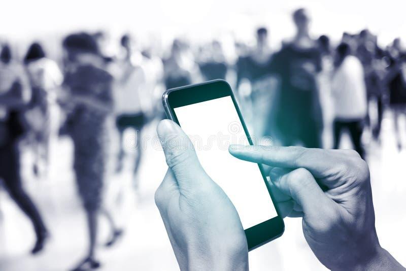 Één gebruikend smartphone royalty-vrije stock foto's