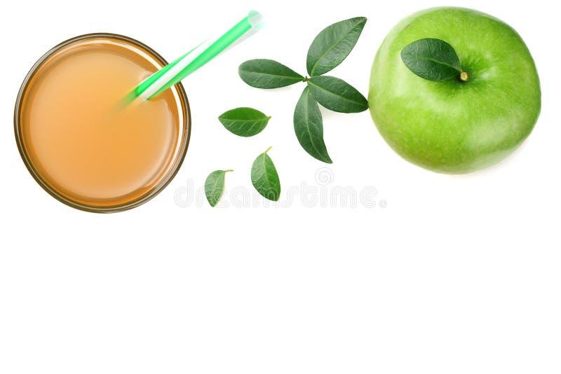één groene die appel met appelsap op witte achtergrond wordt geïsoleerd Hoogste mening royalty-vrije stock fotografie