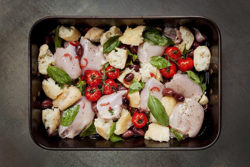 Één Pan Chicken Dinner Top View royalty-vrije stock afbeeldingen