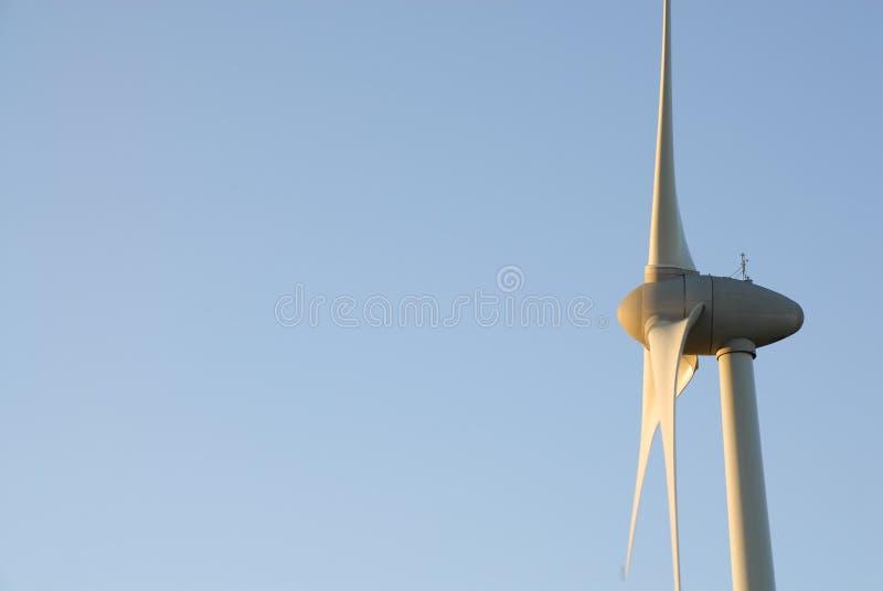 Één Turbine van de Wind, Dawn Sky. het UK stock foto's