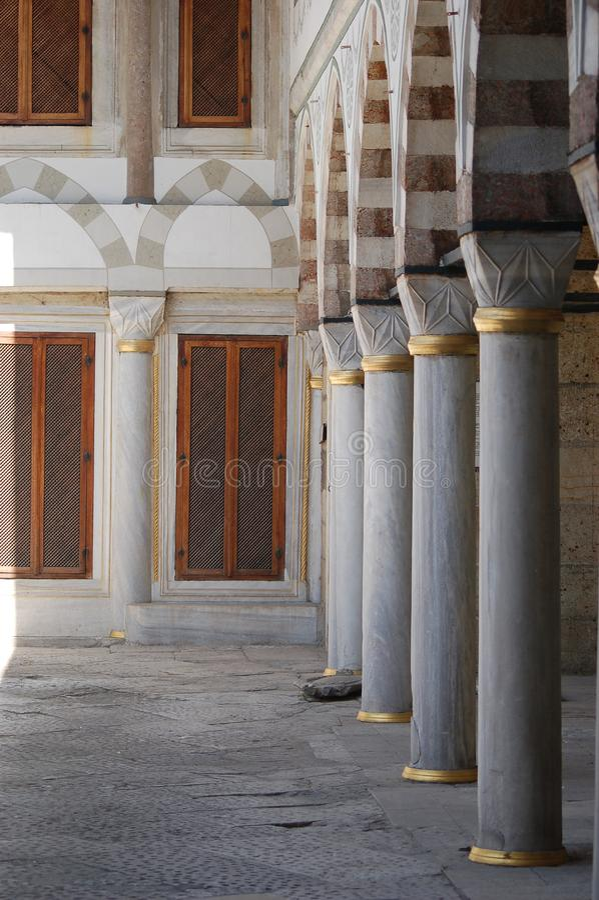 Één van de binnenplaatsen in Paleis Topkapı royalty-vrije stock afbeeldingen