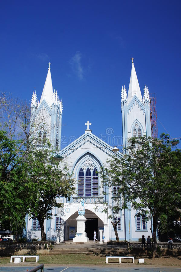Één van de grootste kathedralen op het Eiland Palawan in Puerto Princesa, Filippijnen royalty-vrije stock fotografie